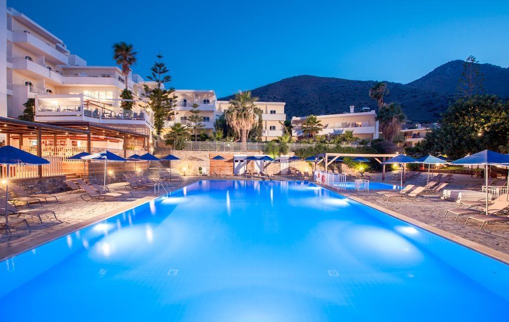 varagons-erga-anakainisi-resort-hotel-workplaces-pisina