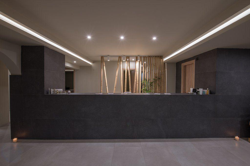 varagons-erga-anakainisi-resort-hotel-workplaces-reception